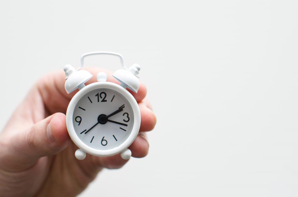 white mini clock