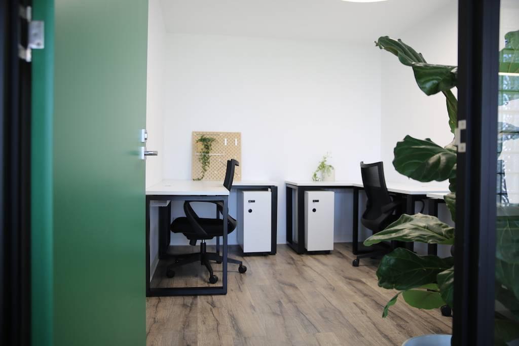 three person pod office